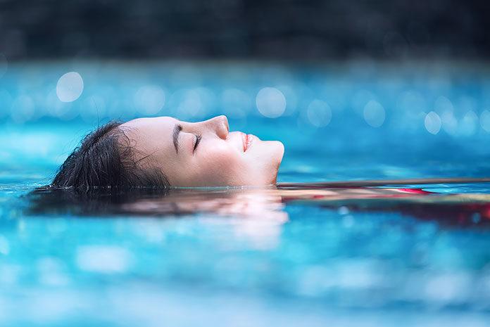 Jaki sprzęt do pływania w wodach otwartych?