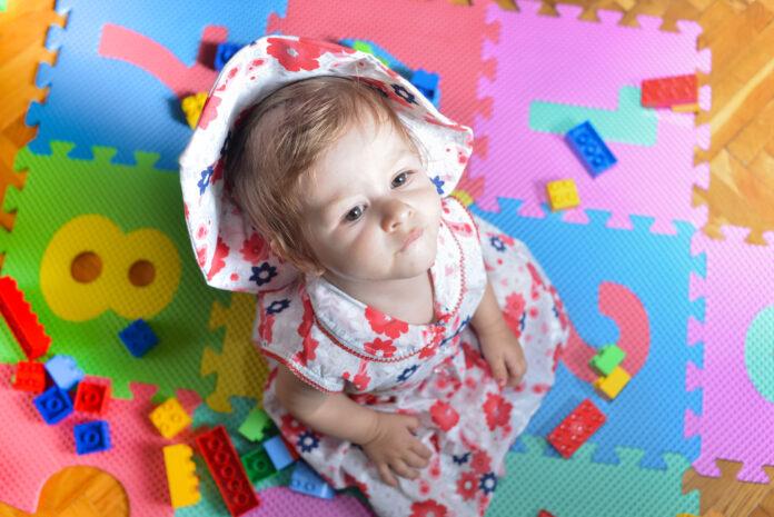 czy mata edukacyjna jest potrzebna niemowlakowi?
